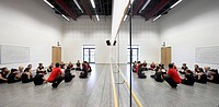 RSA ACADEMY, Tipton, United Kingdom. Architect: John McAslan & Partners, 2011. Gym room with mirrored wall.
