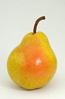 DEU, 2008: Common Pear, European Pear (Pyrus communis), variety: Williams Christ, ripe fruit, studio picture.