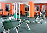 Sports hall with training apparatus