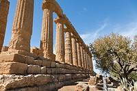 Tempio di Giunone, Juno or Hera Temple, Valle dei Templi, Agrigento, Sicily, Italy.