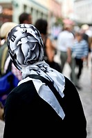 female muslim in the shopping street of Freiburg - 15/08/2007