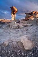 Rocks and hoodoos in the Bisti/De-Na-Zin Wilderness, New Mexico, USA.