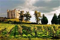 """France. Aquitaine. Gironde. Medieval castle of Chateau Monbadon, at Puisseguin, in the """"Cotes de Bordeaux"""" area od the Bordeaux wines district."""