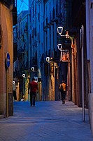 One of the narrow streets in the Old quarter. Tarragona, Catalonia, Spain, Europe.