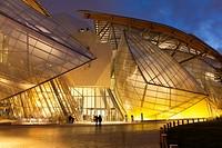 Louis Vuitton foundation, Bois de Boulogne, Paris, Ile-de-France, France.
