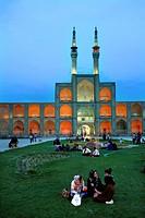 Amir Chakmaq Square with Amir Chakmaq mosque, Yazd, Iran, Asia.