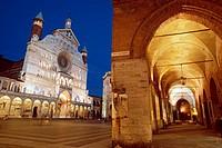 Italy, Lombardy, Cremona, Piazza del Comune Square, Duomo Cathedral.
