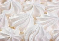 white meringue cake