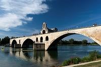 Pont Saint-Bénezet or The Pont d´Avignon on the Petit Rhône, Avignon, Vaucluse, 84, Provence-Alpes-Côte d´Azur, France, Europe.