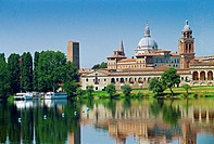 Italy, Lombardy, Mantova´s Old Town Skyline from ´Lago Inferiore´. . . . .