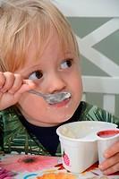 Little boy, 2½ years old, having lunch.