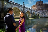 Couple at Castel Sant´Angelo. Rome, Italy
