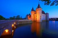 Sully sur Loire, Castle, Chateau de Sully sur Loire, Dusk, Loire Valley, UNESCO World Heritage Site, Loire River, Loiret department, Centre region, Fr...