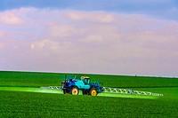 France- Grand Est- Marne- Expending fertilizer to get a better grain crop by Féré Champenoise.