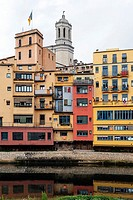 Onyar river, colorful houses, Sant Feliu church and cathedral, Girona, Catalonia, Spain, Europe.