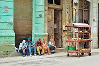 Street photogrphy in central Havana- Food vendor wagon, La Habana (Havana), Habana, Cuba.