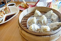 Florida, North Miami Beach, Dumpling King, restaurant, Chinese, inside, bamboo steamer, chopsticks, sauce, steamed dumplings,