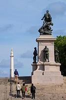 Entrance to the Cours Saint-Pierre with the Franco-Prussian War memorial, Nantes, Loire Atlantique, France