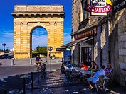 "France, Aquitaine, Gironde. Bordeaux: """"Porte de Bourgogne"""" gate (1751-1755)."