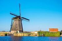 Netherlands, South Holland, Kinderdijk, UNESCO World Heritage Site. Historic Dutch windmills on the polders.